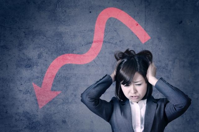 ストレス過多な女性の画像