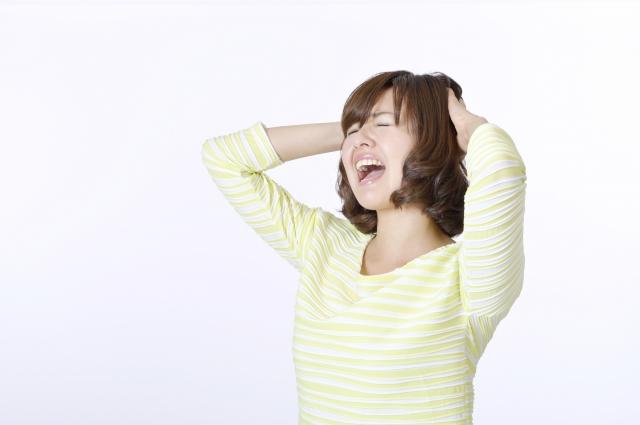 叫んでいる女性の画像